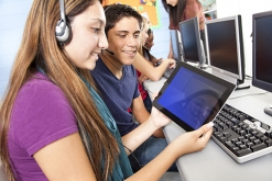Image of college students in a computer lab
